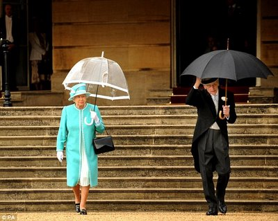 Queen with umbrella