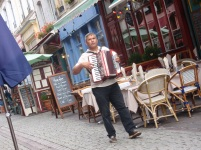 Boulogne Street Entertainer