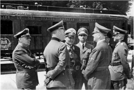 Hitler at Clairière de l'Armistice