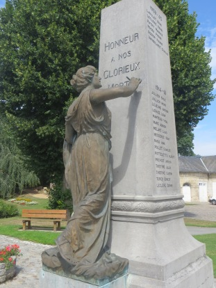 Vic-Sur-Aisne War Memorial