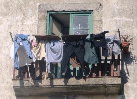 Porto Washing Line