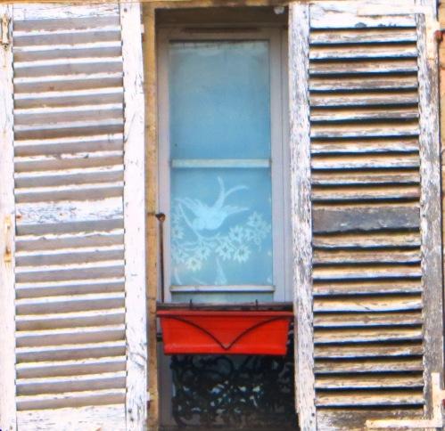 Tricolour window