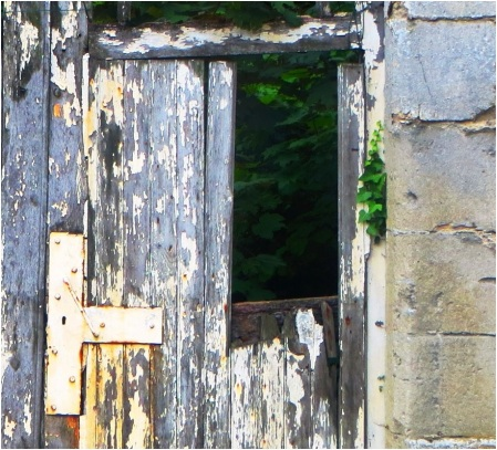 Vic Sur Aisne Door
