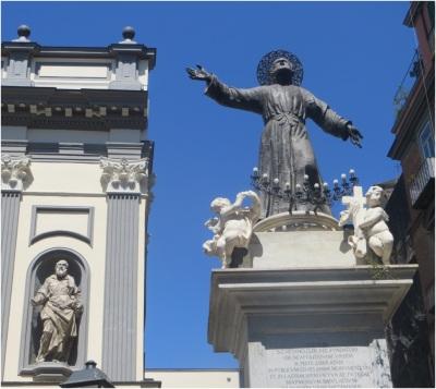 Naples Statue 5