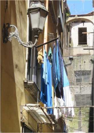 Naples Washing 1