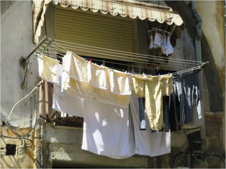 Naples Washing 4