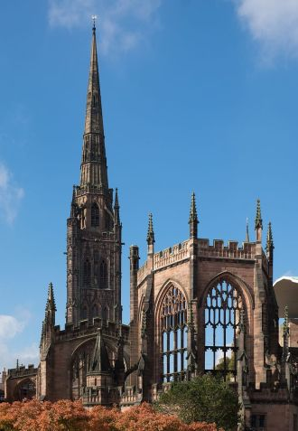 St_Michael's_Cathedral_ruins,_Coventry