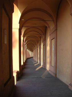 800px-Bologna_sanluca_02