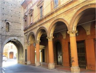 Colonnades 01