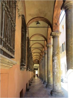 Colonnades 09