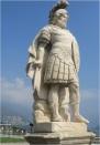Como Statue 01