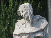 Como Statue