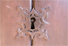 Caceres Key 10
