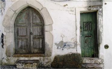 Estremoz doors