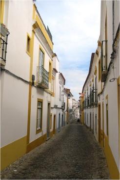 Evora Street 03