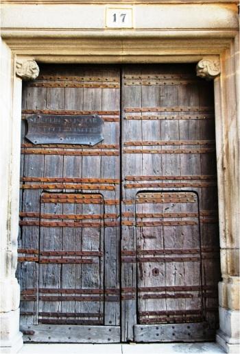 Trujillo Door 01